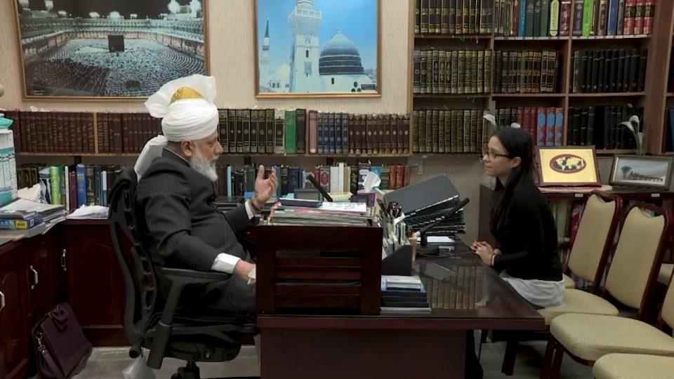 L'entretien de Newsweek avec le Calife de L'islam